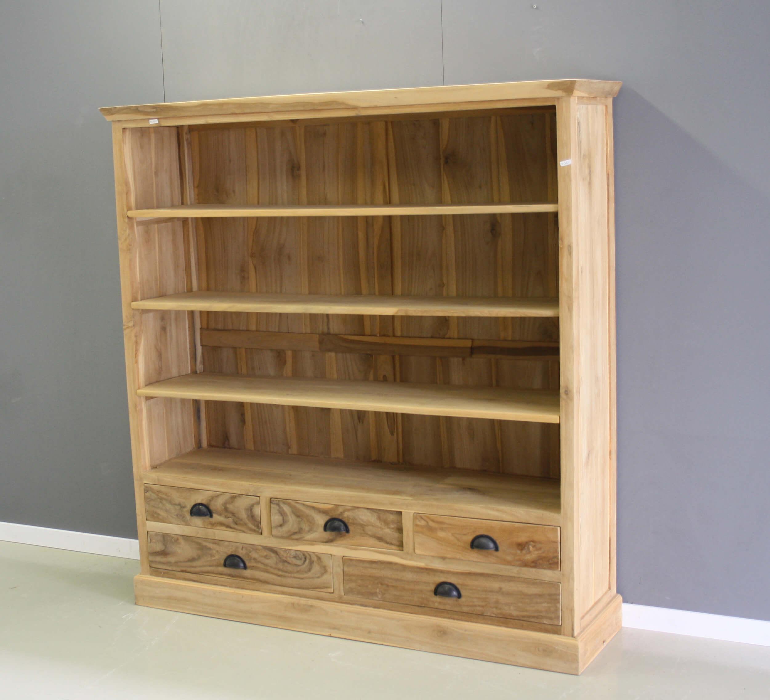 half hoge boekenkast van teakhout met vijf laden
