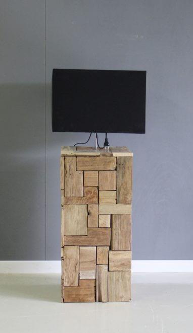 half hoge lamp met voet van teakhout