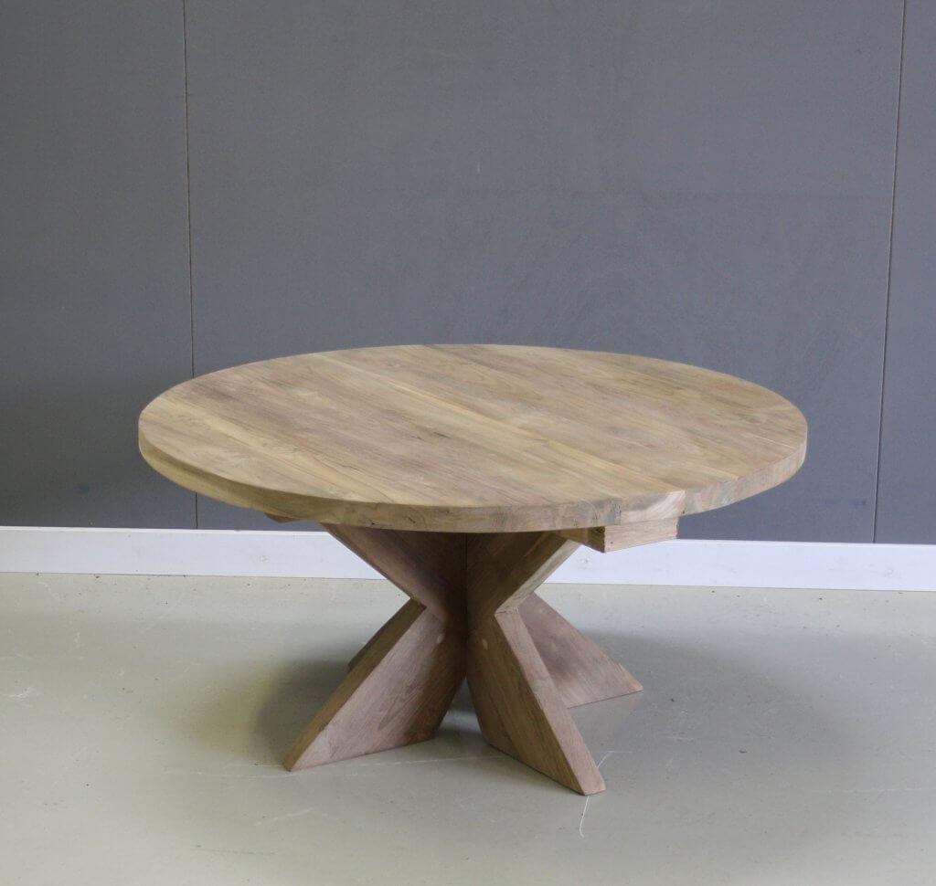 ronde salontafel van teakhout