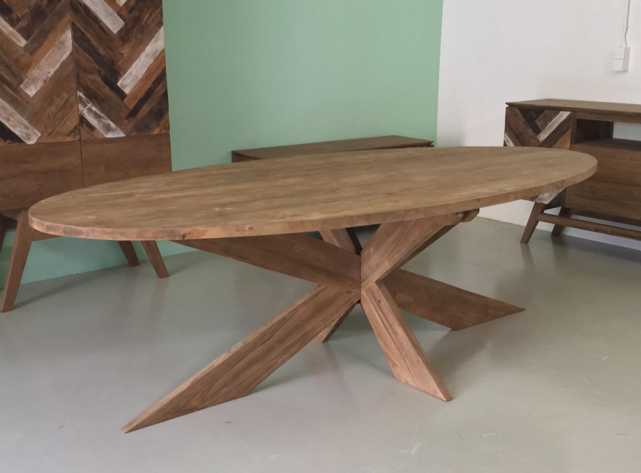 Ovale tafel met kruispoot 160cm tot 260cm - Indoteak