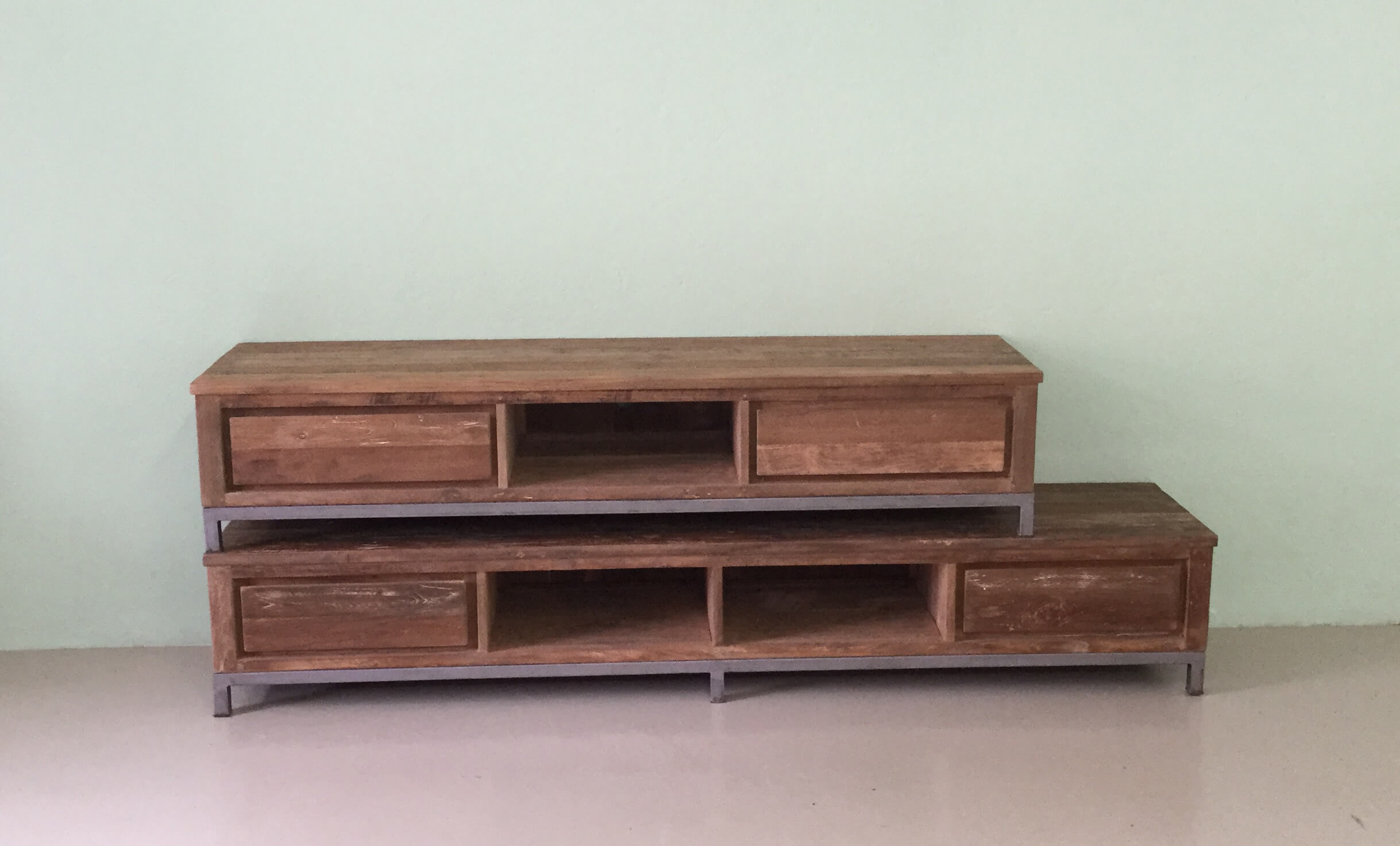 Industrieel teak tv meubel indoteak for Meubels teak
