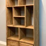boekenkast van gerecycled teak