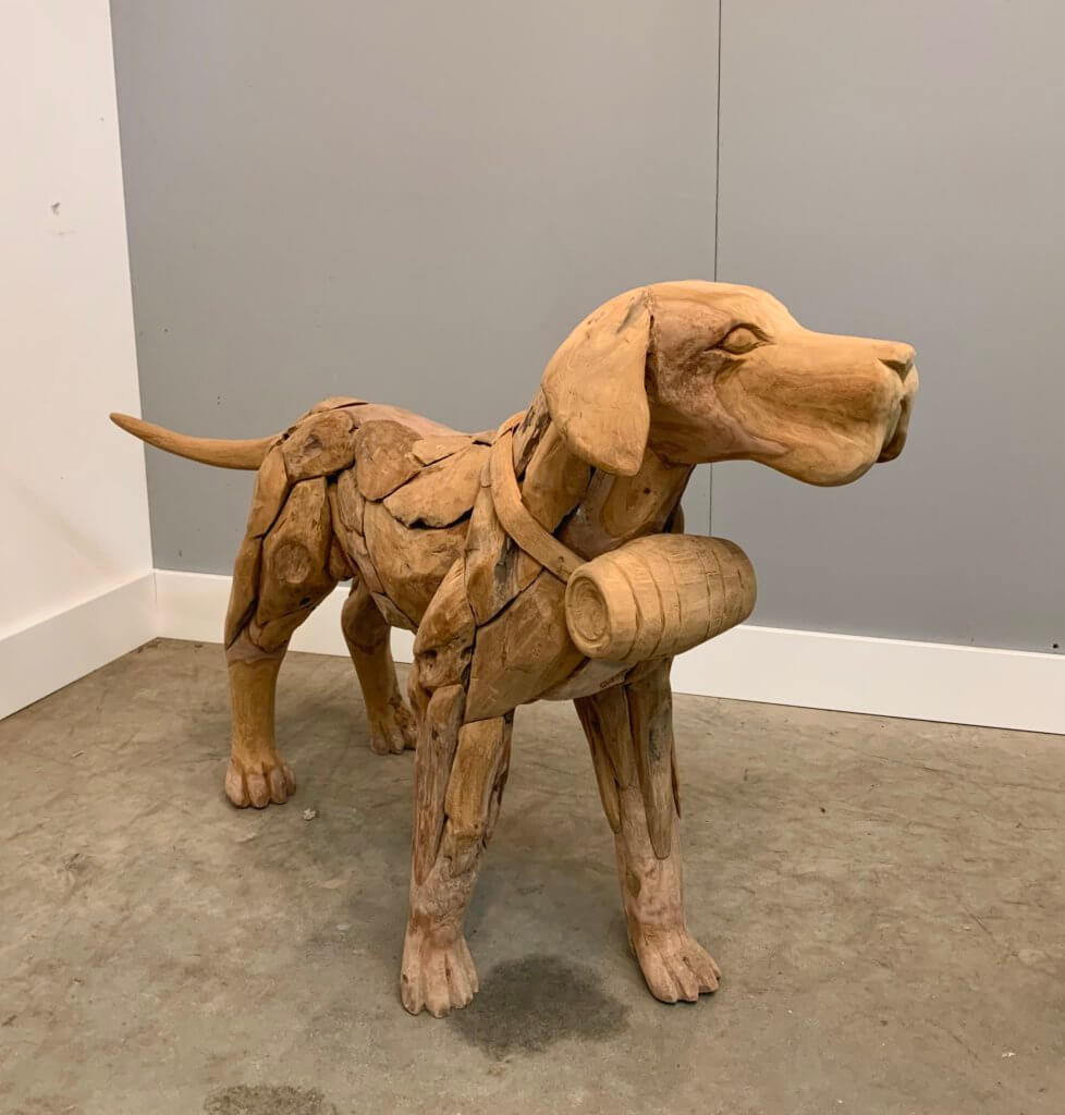 Hond gemaakt van sprokkelteak