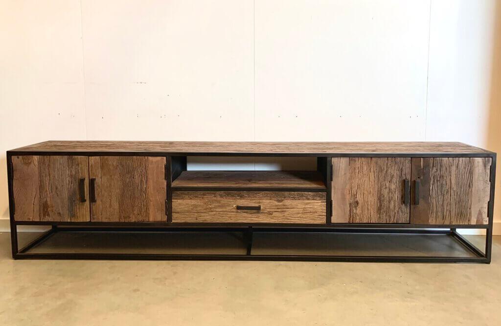 Robuust tv-meubel met staal 240cm