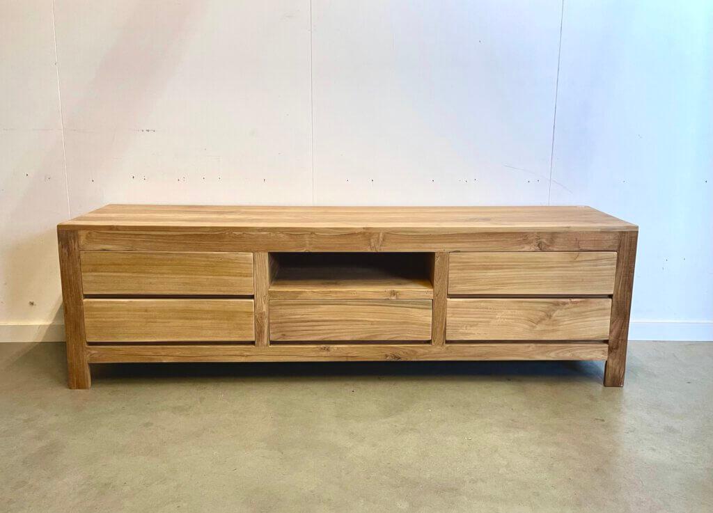 Modern tv-meubel van teakhout